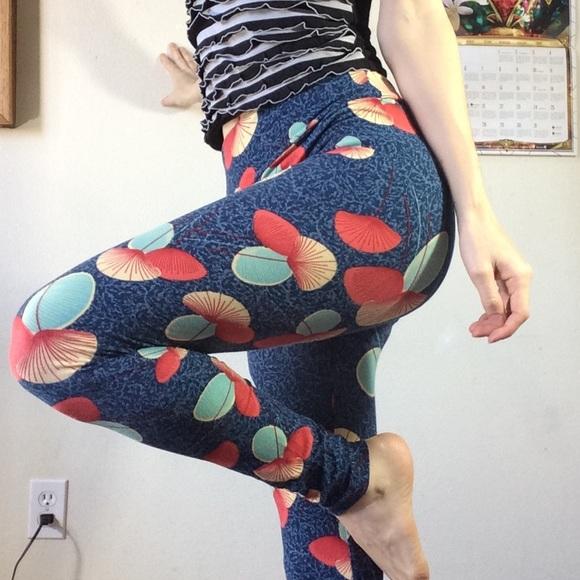 LuLaRoe Pants - Lularoe Leggings Ginkgo fairy leaf print